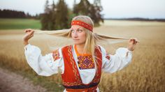 Tuuterin national costume, Finland
