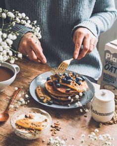 KAURAPANNUKAKUT – Liemessä Healthy Treats, Granola, Berries, Recipies, Sweets, Baking, Breakfast, Food Food, Cake