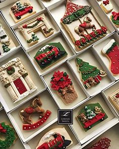 christmas cookies 🎅🎄🦌 by Its so cute ! my favorite of the month of December. his work is amazing. the details about these cookies are just perfect Traditional Christmas Cookies, Christmas Sugar Cookies, Christmas Desserts, Christmas Treats, Christmas Baking, Cookies Fondant, Iced Cookies, Cute Cookies, Cookie Desserts