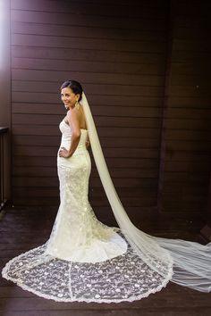 Elegant Lace Wedding Gown | http://brideandbreakfast.ph/2015/10/05/pristine-and-pretty/