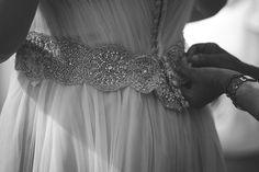 Detalle del la parte de detrás del vestido de Marisa. En el atelier de Carmen Soto, del atelier The Bride