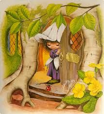 Oh for a house like Victoria Plum's, with all those little corridors and cosy rooms in the tree roots. Plum Garden, Victoria Plum, Plum Art, Images D'art, Sarah Kay, Baby Clip Art, Fairytale Art, Country Art, Friendship
