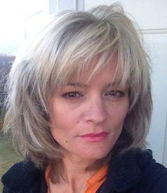 Medium Hair Cuts, Short Hair Cuts, Medium Hair Styles, Curly Hair Styles, Grey Hair With Bangs, Short Hair With Layers, Shampoo For Gray Hair, Haircuts For Thin Fine Hair, Mid Length Hair