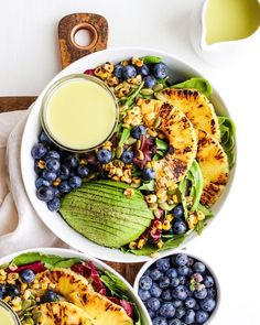 Creamy Citrus Dressing + Grilled Pineapple Salad Creamy Citrus Dressing + Seared Pineapple Salad – a light and refreshing summer salad with the most delicious citrus dressing! Summer Salads With Fruit, Summer Salad Recipes, Fruit Salad Recipes, Fruit Salads, Homemade Fruit Salad, Pineapple Salad, Pineapple Recipes, Nutrition, Salad Ingredients