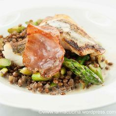 Pikeperch, asparagus and lentils