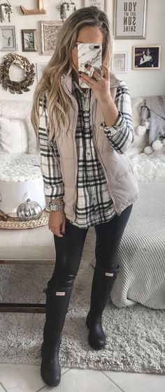 gray vest Preppy Winter Outfits, Fall Outfits, Casual Outfits, Cute Outfits, Fashion Outfits, Casual Winter, Winter Wear, Winter Boots, Outfits