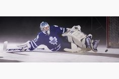 Randy Carlyle says Leafs will go with the hot hand, but common sense says Jonathan Bernier has inside track in goal. James Reimer, Hot Hands, Toronto Star, Sports Figures, Toronto Maple Leafs, Montreal Canadiens, Sports Teams, Hockey, Fan