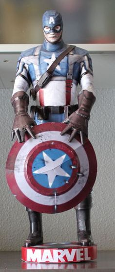 Marvel Comics - Captain America Ver.2 Free Figure Papercraft Download - http://www.papercraftsquare.com/marvel-comics-captain-america-ver-2-free-figure-papercraft-download.html#Avengers, #CaptainAmerica, #Figure, #MarvelComics