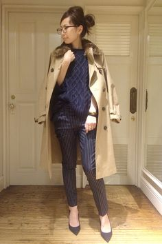 L'Appartement DEUXIEME CLASSE スナップNo12054 メインカット Japanese Fashion, Asian Fashion, Smart Casual Work Outfit, Office Fashion, Winter Wear, Jeans Style, Autumn Fashion, Clothes For Women, Womens Fashion