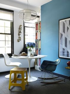 How To Ace Apartment Living (The Design Files) Apartment Interior, Apartment Living, Turbulence Deco, Interior Decorating, Interior Design, Interior Ideas, Piece A Vivre, The Design Files, My Workspace