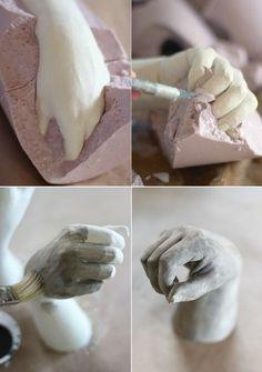 idées bricolage plâtre -démoulage-main-plâtre-moule-alginate