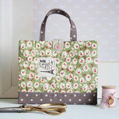1c2a33389 Las 8 mejores imágenes de momentos de costura   Fabric handbags ...