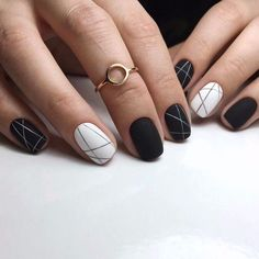 30 Black Nail Designs That Are Anything but Goth How to apply nail polish? Nail polish on your friend's nails looks perfect, however, you can't apply nail Black Acrylic Nails, Black Nail Art, Matte Nails, Stiletto Nails, Matte Black, Coffin Nails, Polish Nails, Black Polish, Black White Nails