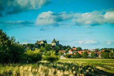 Hier die Burg- & Schlossanlage Bad Bentheim aufgenommen westlich von ihr.