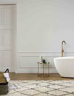 Create an elegant bathroom design using our range of interior decor mouldings. For a product as simple as wall moulding, the effect it creates can be transformational. Sometimes the simplest of design techniques can be the most effective. For relatively little cost you can achieve a really elegant look. We sell a whole range of profiles from modern, classic to highly decorative depending on the period of your property or the style you want to achieve. Orac Decor, Wall Molding, Bathroom Goals, Interior Decorating, Interior Design, Wainscoting, Beautiful Bathrooms, Bathroom Inspiration, Decoration