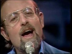 Roger Whittaker - The Last Farewell 1975 ... aww this is so wonderful! Love Roger!