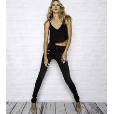 cocaranti I Our go to smart skinny jeans... The @jamesjeans crux with added zip details  #goinglikehotcakes #snoozeyoulose  #cheshire #shoplocal #shoppingaddict #shopaholic #wishlist #celebritystyle #style #fashion #designer #shop #blogger #lovewantneed #boutique #ontrend #wiwt #fashionblog #styletips #styleadvice #blog #instalove #cute #stealmystyle #fashionista #cocaranti #iloveyou #jamesjeans #summerwardrobe