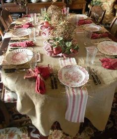 Mantel arpillera...I Love that Red Transferware can be dressed up or down!!