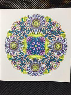 心を整える、花々のマンダラぬりえ。シンシア・エマリー。パッション・フラワー。 flower mandalas, Cynthia Emerlye. Passion Flower. Faber Castel Classic pencils. WIN