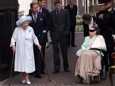 Photographic Print: Queen Mother waves on her 101 birthday watched by Princess Margaret in wheelchair and Prince Charle : Royal Family Pictures, Summer Family Photos, Windsor, George Vi, Horse Guards Parade, Elisabeth Ii, Queen Mother, Herzog, British Monarchy