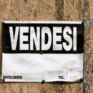 Come comprare dal racket una casa abusiva per 500 euro Marketing Channel, Rackets, Euro, Diy, Case, Groomsmen, Bricolage, Handyman Projects, Do It Yourself