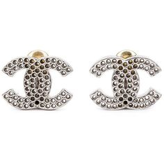 Chanel Vintage perforated logo clip-on earrings (4.490 DKK) ❤ liked on Polyvore featuring jewelry, earrings, white, nickel jewelry, white clip on earrings, vintage clip on earrings, white jewelry and vintage clip earrings