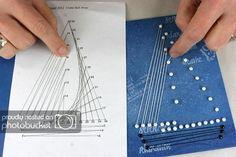 Billedresultat for string art patterns String Art Templates, String Art Tutorials, String Art Patterns, Doily Patterns, Dress Patterns, String Wall Art, Nail String Art, Deco Marine, Paper Embroidery