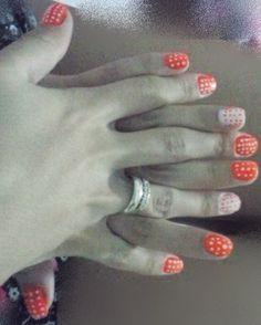 laranja e branco com bolinhas