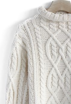 Rolling Chunky Cable Sweater in Off-white//