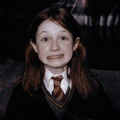 Harry James Potter, Harry Potter Girl, Harry Potter Icons, Harry Potter Aesthetic, Harry Potter Cast, Harry Potter Universal, Harry Potter Fandom, Harry Potter Characters, Harry Potter Hogwarts