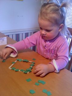 day2day joys: Preschool Activities: Little squares onto big square.