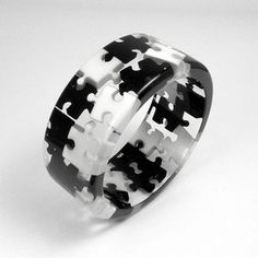 Resin Black and White Puzzles Bangle, Resin Jewlery, Resin Bracelet, Resin Ring, Diy Resin Crafts, Jewelry Crafts, Jewelry Art, Jewelry Design, Jewellery, Puzzle Jewelry