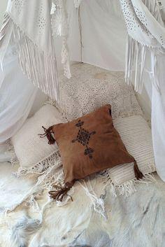 The Stylish Gypsy http://thestylishgypsy.tumblr.com/post/123301050333