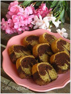 İçerisindeki kahve aroması ile damağınızı çatlatacak hoş bir lezzet.Mermer Kek. Yumuşak dokulu kekleri seviyorsanız tam size göre.Öyl...