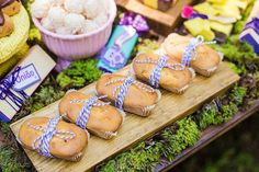 You need to see this party. Combining boho elements with a stunning woodland theme, this Boho Woodland Camping Party at Kara's Party Ideas is a must see! Camping Meals, Camping Hacks, Mini Bread Loaves, Owl Parties, Woodland Party, Boho, Desserts, Recipes, Twin
