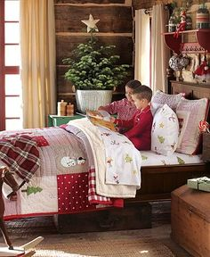 Christmas bedroom. This bedding is so festive, I'd never want to get out of bed!