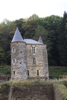 Chehery chateau de rocan Monuments, Tower House, Ardennes, French Architecture, Cathedral Church, Medieval Castle, French Chic, Old Houses, France
