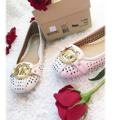 """Optic White Michael Kors Fulton Moc Leather ✨🌹 Fabulous looks can be built on flats, starting with the Fulton Moccasin from MICHAEL by Michael Kors. Item # 467842/ Approx 1/4"""" heel height /Faux-leather lining /100% leather/Laser cut accents/Logo detailing/ Rubber outsole/Square toe Style Number: 40S5FUFR2L-2  🌹PRICE IS FIRM 🌹ROSE GIFT WITH PURCHASE! Michael Kors Shoes Moccasins"""