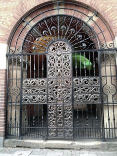 Birmingham - INGLATERRA - Wrought iron gates at the Oratory in Edgbaston. The gates used by Pope Benedict when he visited the Oratory to beatify Cardinal Newman, who, I think, founded the oratory here. Moving To Australia, Birmingham England, Wrought Iron Gates, Interesting Buildings, The Old Days, West Midlands, Entrance, Old Things, Pope Benedict