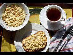Proponuję dziś przepis na bardzo prostą i bardzo smaczną pastę jajeczną na chleb, z dodatkiem pora, kukurydzy i żółtego sera. Bardzo polecam :-) Składniki: 5 jajek, 1 por, 1 puszka kukurydzy, kilka łyżek majonezu, 1 łyżka ketchupu, kawałek żółtego sera, sól Ketchup, French Toast, Pudding, Pasta, Breakfast, Desserts, Food, Morning Coffee, Meal
