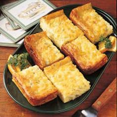 Chili Cheese Puff Recipe ~ INGREDIENTS: Eggs - All-purpose flour - Baking powder - Cottage cheese - Shredded Monterey Jack cheese - Butter - Green chilies Egg Recipes, Brunch Recipes, Breakfast Recipes, Cooking Recipes, Cheese Recipes, Yummy Recipes, Healthy Recipes, Puff Recipe, Cheese Puffs