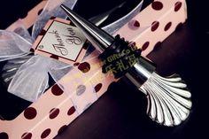 frete grátis 30 jogo caixa de presente, lembranças de casamento, decoração de festa wj037/d       http://pt.aliexpress.com/store/product/60pcs-Black-Damask-Flourish-Turquoise-Tapestry-Favor-Boxes-BETER-TH013-http-shop72795737-taobao-com/926099_1226860165.html   #presentesdecasamento#festa #presentesdopartido #amor #caixadedoces     #noiva #damasdehonra #presentenupcial #Casamento