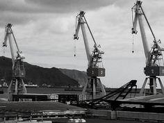 Gigantes en el puerto by asotavento.com, via Flickr