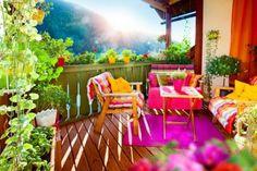 Terraza de verano colorida y alegre
