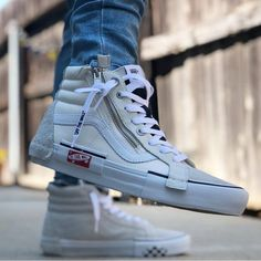 Shop Men's Vans White Black size 10 Sneakers at a discounted price at Poshmark. Vans Sneakers, Sneakers Mode, Sneakers Fashion, Fashion Shoes, Mens Fashion, Mens Vans Shoes, Ladies Fashion, Sneaker Outfits, Sneaker Trend