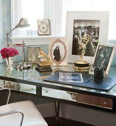 Decoração home office feminino - mesa escrivaninha