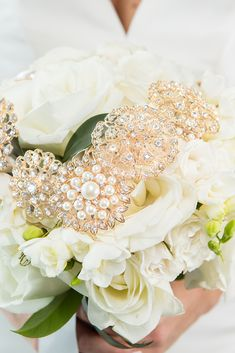 Check out this elegant pink vintage wedding theme. This article features tons of vintage wedding idea and also incorporates touches of sparkle and glam in the decorations, flowers, attire, and more. Vintage Wedding Theme, Floral Wedding, Wedding Venue Inspiration, Wedding Ideas, Wedding Planning, Ballet Wedding, Wedding Brooch Bouquets, Space Wedding