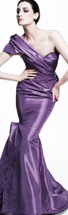 Zac Posen Resort 2013 Fashion Show Collection: See the complete Zac Posen Resort 2013 collection. Look 23 Mode Purple, Purple Love, All Things Purple, Shades Of Purple, Pink Purple, Zac Posen, Fashion Week, High Fashion, Fashion Show