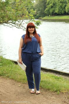 Hülle & Fülle Plus Size Fashion & Lifestyle Blog: Graden party in a Jumpsuit, Fashion Blogger, Curvy, Hips don't lie, Red Hair, Curvygril, OOTD, Plus Size Woman, Happy Size
