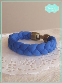 .:storin:. blue bracelet - more colours available  (find it at www.facebook.com/PequenosTesouros)